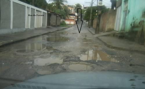Ruas de Itapuã estão cheias de buracos
