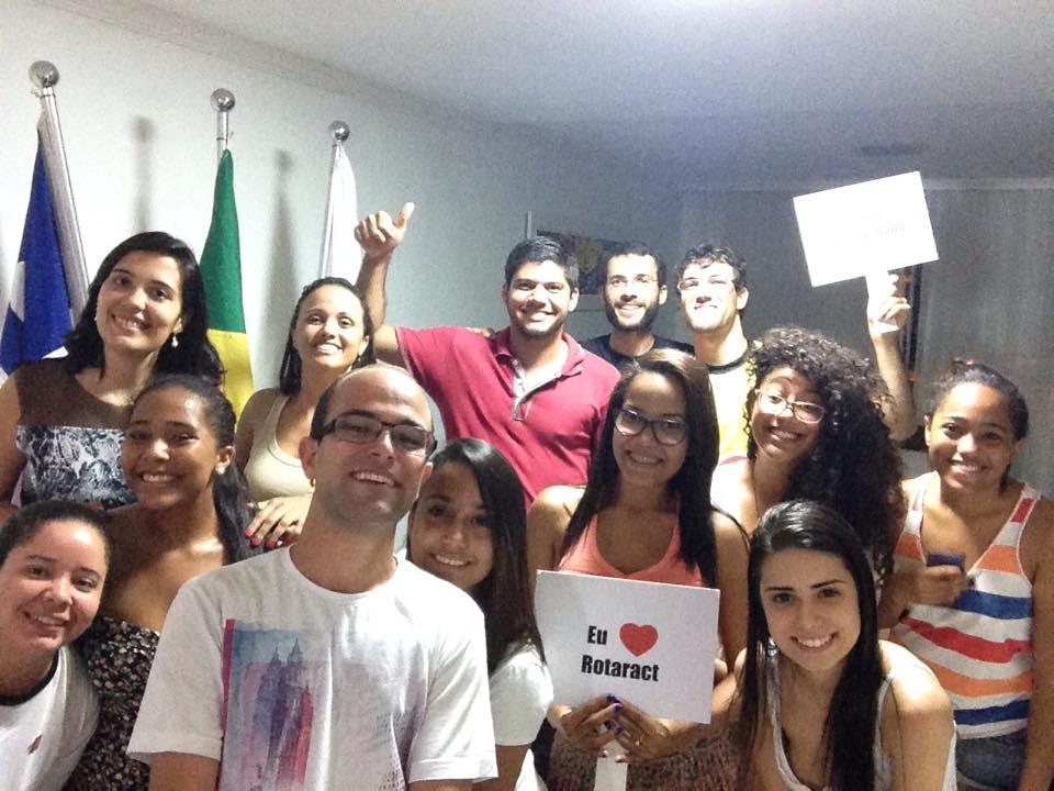 Rotaract Itapuã convida jovens para fazerem a diferença