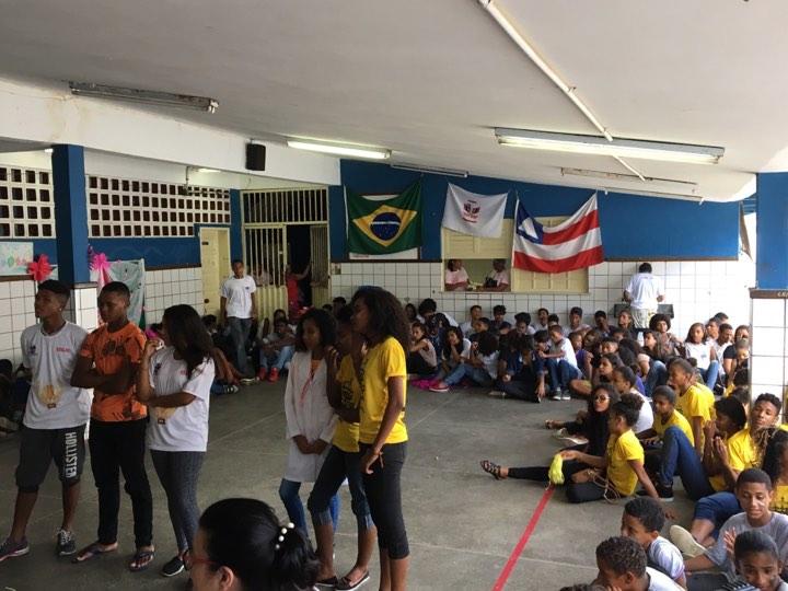 Gincana movimenta alunos da Escola Estadual Dona Jenny Gomes