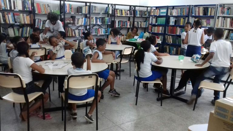 Itapuã recebe projeto Sacola Literária