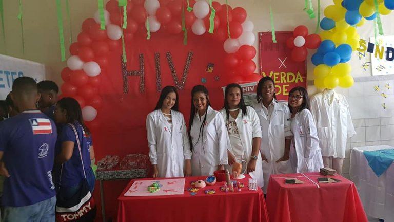 Mostra de Ciência, Tecnologia e Saúde integra escola e comunidade no bairro de Itapuã