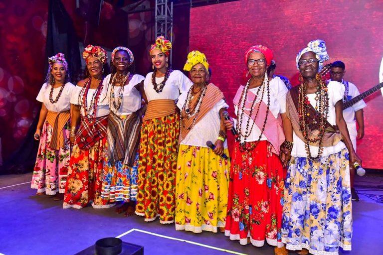 Ganhadeiras celebram valorização da mulher e do empoderamento feminino na Viradouro