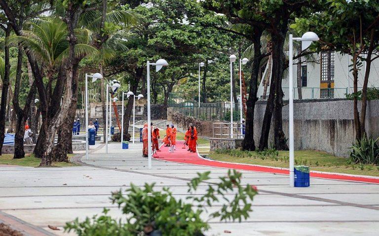 Entorno do Farol de Itapuã ganha ciclovia, quiosques e nova pavimentação